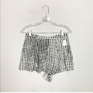 Minkpink gingham flowy shorts black & white small